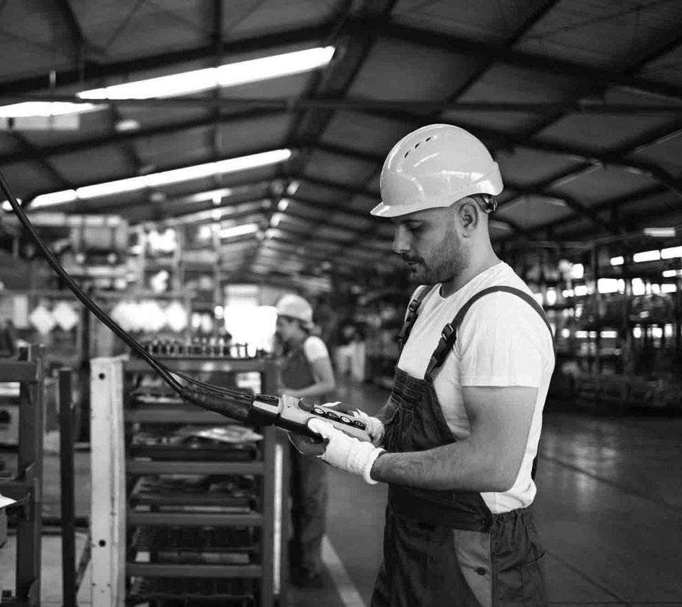 Obsluha výrobných strojov